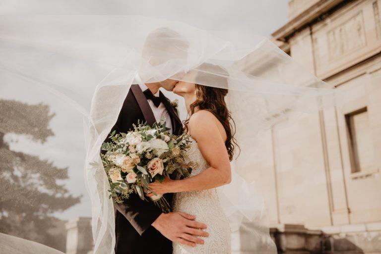 man-and-woman-kissing-2253870